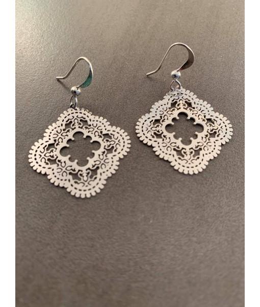 Lago lace mosaic earring