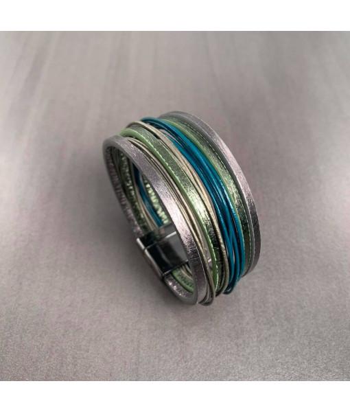 Multi row metallic bracelet