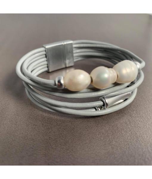 Multi row pearl bracelet