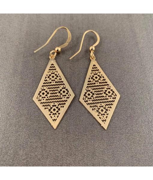 Abiya diamond shape filigree