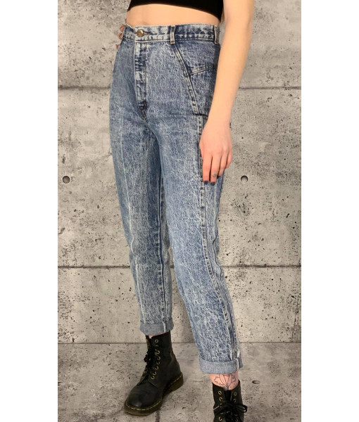 Chic acid wash denim
